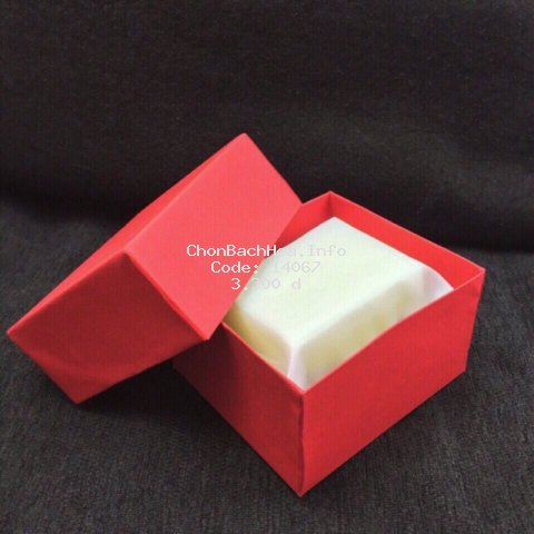 Hộp giấy đựng đồng hồ kèm gối bên trong kích thước hộp 9*8*5cm